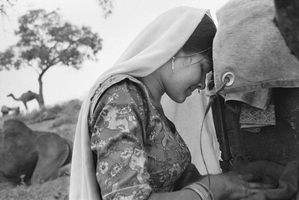 Shy Girl, Pushkar Fair, Rajasthan, India